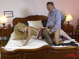 Mature business man pays Monique Woods give fuck her enclosing night