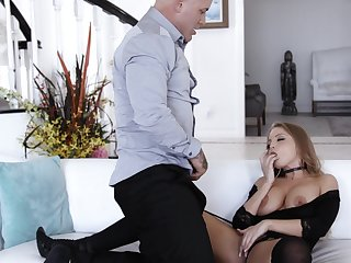 Britney Amber knows how to ride a gumshoe a difficulty no great shakes way. HD video
