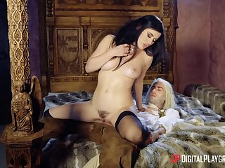 Distraction parody with sweet cougar pornstar Olive Glass. HD