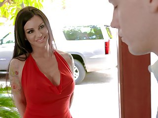 Having seduced dude busty MILF Melissa Lynn gives him a scrupulous blowjob